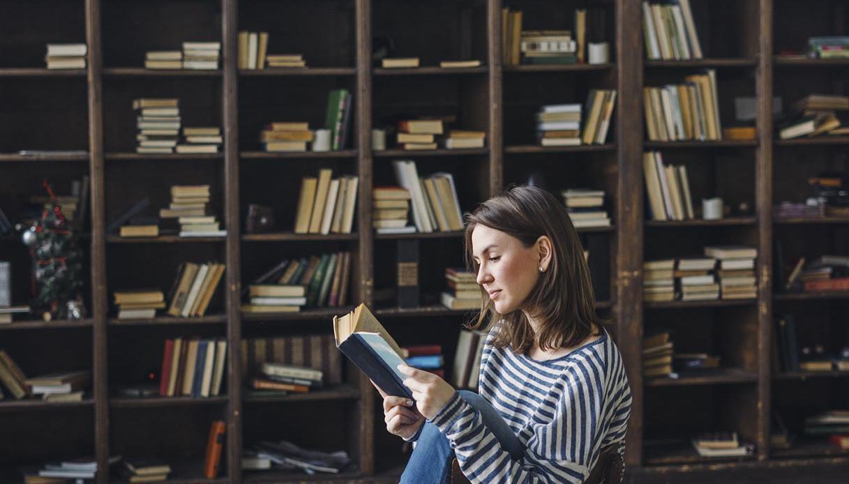 Come organizzare la libreria di casa consigli pratici per - Organizzare la casa ...